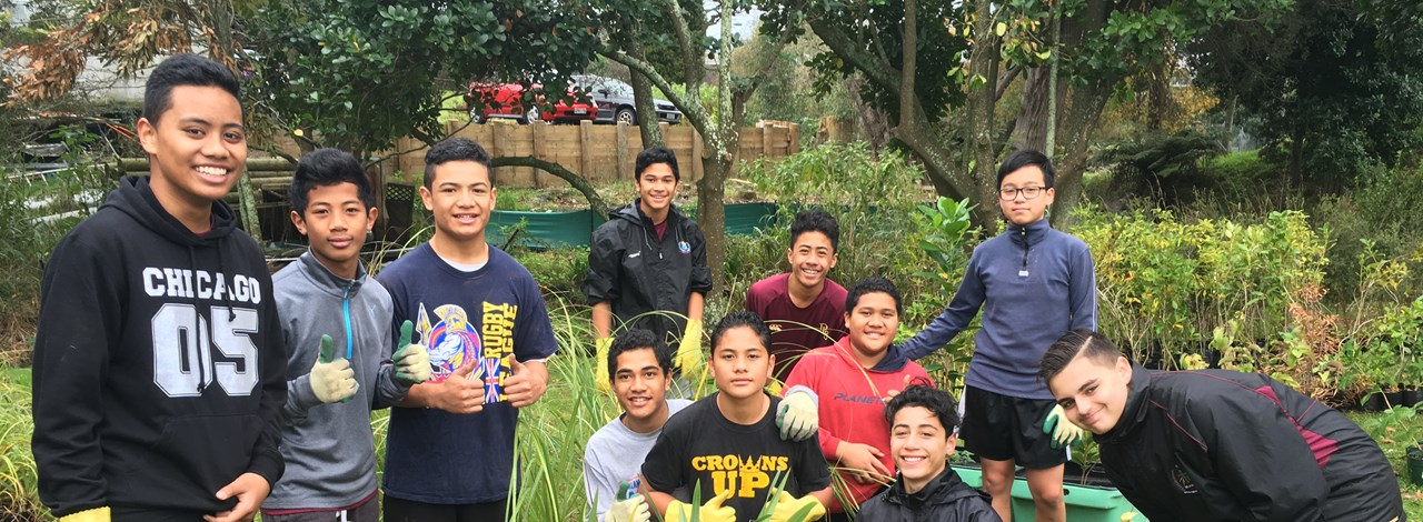 Native Tree Boost For De La Salle College Trees That Count